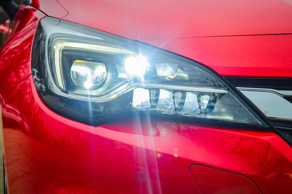 หลอดไฟหน้ารถยนต์