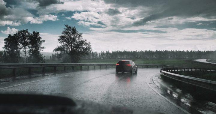 ขับรถตอนฝนตก p3