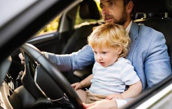 รถยนต์มีเด็ก