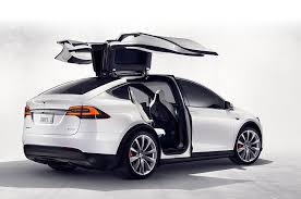 """ข้อบกพร่องของ """"Tesla Model X"""""""